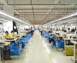 阿莱女装 服装厂手工区